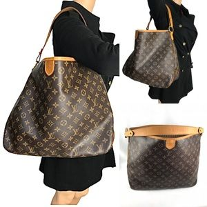 💎HOBO💎discontinued Louis Vuitton bag delightful